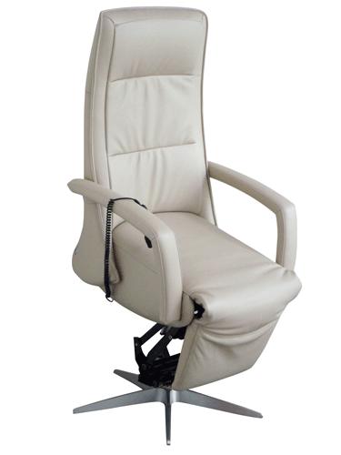Sessel mit Aufstehhilfe Mod. 20 Aufstehposition